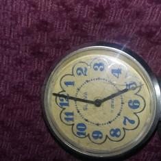 Ceas vechi mecanic de masa,Ceas SLAVA,11 JEWELS,URSS,Rusesc,Defect,T.GRATUIT