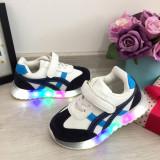 Adidasi albi albastri cu scai cu lumini LED beculete pt baieti / fete 30, Din imagine