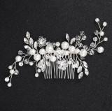 Accesoriu de par handmade cu perle si margele