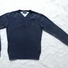 Bluza Tommy Hilfiger.  Marime M: 44 cm bust, 57 cm lungime, 60 cm maneca;ca noua