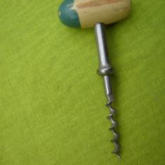 Tirbuson suedez cu maner din lemn