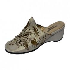 Papuc casual, inchis in fata, cu perforatii florale, 36, Bej