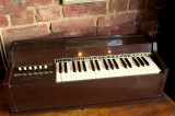 Pian electric chord organ vintage musical instrument