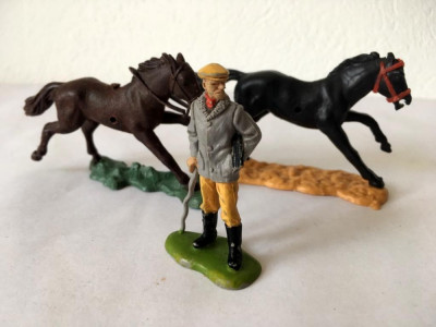 Lot figurine 2 cai si un Lord, Made in England Britains Ltd 1971, 5,5 cm foto