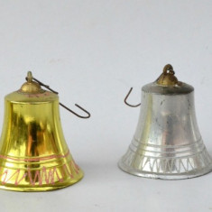 Ornamente vechi pentru bradul de Craciun - Clopotei din plastic perioada RSR