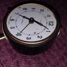 Ceas vechi mecanic de masa  VITEAZ URSS cu sonerie,rusesc,FRUMOS,T.GRATUIT