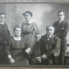 Fotografie de grup// pe carton, Willy Walcher, Munchen