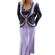 Costum de ocazie de culoare mov, cu fusta lunga, sacou si top