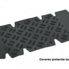 Covoras protectie pentru tunelul mediat din spate
