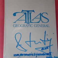 ATLAS GEOGRAFIC GENERAL ANUL 1983 .