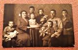 Ofiter cu familia. Fotografie sepia datata 1925 - Fotograf Szabo, Tg. Mures