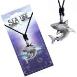 Colier și pandantiv din metal - rechin cu coada îndoită