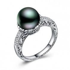 Inel incrustata cu pietre Zircniu si perla cu reflexii colorate
