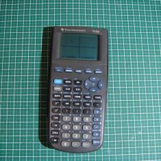 Calculator grafic Texas Instruments TI-82