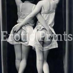 Fotografie Ultra HD dupa ilustrata veche cuplu femei nud A4  21 cm x 30 cm