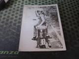 Fata pe motoreta veche album 609