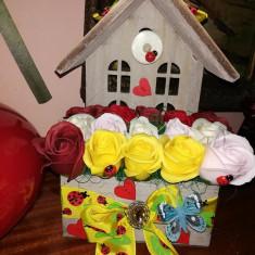 Decoratiune cu trandafiri de sapun, Casuta cu trandafiri - OKAZIE