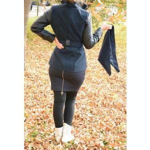 Palton bleumarin cu maneci din piele ecologica cu model matlasat