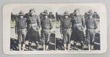 SOLDATI AMERICANI AJUTAND UN SOLDAT SCOTIAN RANIT , FOTOGRAFIE STEREOSCOPICA , POLICROMA, PE CARTON , PRIMUL RAZBOI MONDIAL