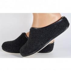 Papuci de casa negri din lana (cod 153032)