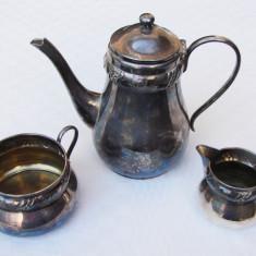 Set danez format din ceainic, zaharnita si letiera argintate, anii 1940