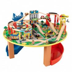 Trenulet din lemn City Explorer si masa de joaca, Kidkraft