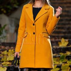 Palton galben mustar din lana cu accente negre