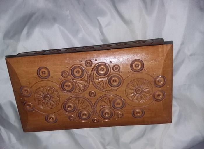 Caseta veche de bijuterii,caseta lemn sculptata-superba,caseta bijuterii,T.GRATU