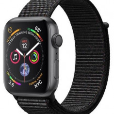 Smartwatch Apple Watch 4, 40mm, LTPO OLED Retina Display, GPS, Bluetooth, Wi-Fi, Bratara Sport Loop Neagra, Carcasa aluminiu, Rezistent la apa si praf