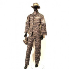 Costum camuflaj 4 piese Tiger Tactical - L [Swiss Arms]