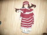 Papusa Laura - Classic Colection - cap maini ,picioare portelan ,h=37cm