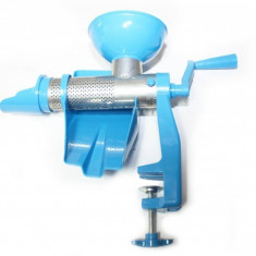 GF-0036 Masina de tocat rosii din plastic albastra