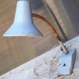 Cumpara ieftin LAMPA VECHE REGLABILA - STIL INDUSTRIAL, IDEALA PENTRU ATELIER SAU BANC DE LUCRU