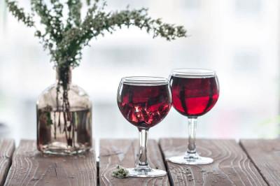 Vand vin rosu/roze, natural 100% foto