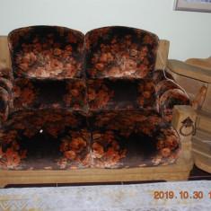 Canapele si fotoliu 3 + 2 + 1  cu coltar si masa din lemn masiv