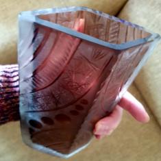 Vaza sticla cristal masiv gravata manual minutios manufactura vintage cadou