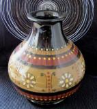 Vaza veche semnata de olarul Ruth Bieri-Äebi(1927-2014).H 20cm.Rara.