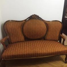 Mobila antica Louis Philippe, compusa din canapea, 2 fotolii, 3 scaune si masuta