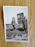 Foto Militari,  al doilea razboi mondial, indicatoare SABAOANI-FALTICENI-PASCANI
