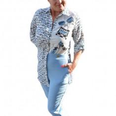 Costum tineresc, bluza asimetrica, nuanta albastru deschis