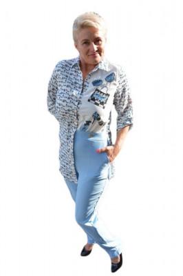 Costum tineresc, bluza asimetrica, nuanta albastru deschis foto