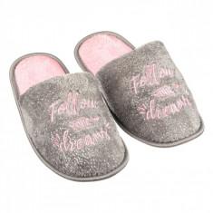 Papuci imblaniti de dama, model cu mesaj, marime 40-41, gri/roz