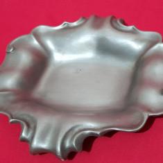 Scrumiera de colectie din metal 2+1 gratis