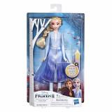 Papusa Elsa Frozen 2 cu rochita luminoasa