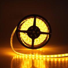 Banda LED pentru interior, IP20, lumina galbena, consum 9,6 W/m, lungime 1 m