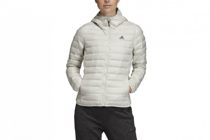Jacheta sport adidas W Varilite Hooded Down Jacket DZ1490 pentru Femei