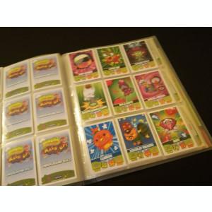 Colectie completa de cartonase Topps Moshi Monsters Mash up in album original