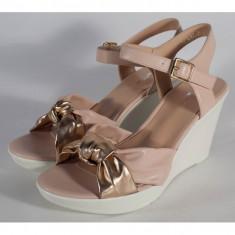 Sandale roz cu platforma (cod 029217)