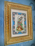 A491-Aplica Grafica colorata India-indian cu indianca rama lemn colorata.