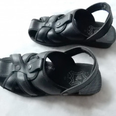 Sandale piele naturala Dash.  Marime 42 (26.5 cm talpic); impecabile, ca noi, Din imagine